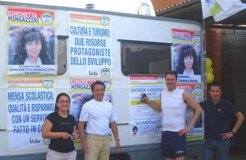 foto camper e candidati_def.jpg