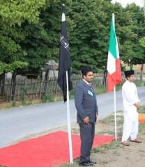 bandiera italiana e simbolo islamico a SAN P.IN CASALE.jpg